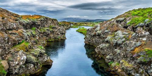 silfra-fissure-thingvellir-national-park-iceland-iiottoey