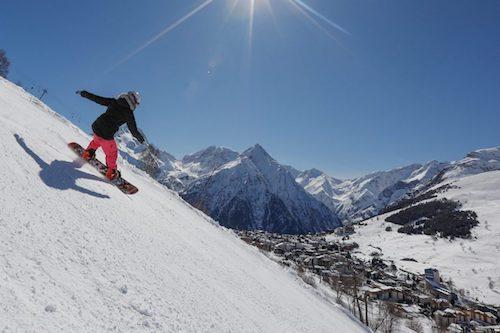 HIVER-LES-2-ALPES-Nils-Louna-ski-de-pistes-1068x712