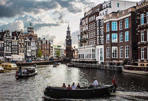 amsterdam-4388160_640