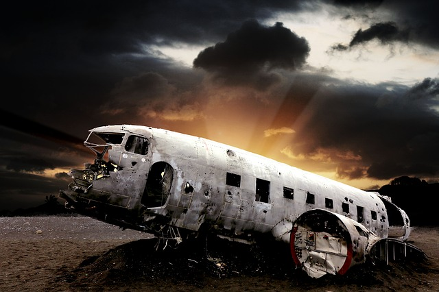 crash-landing-2398449_640