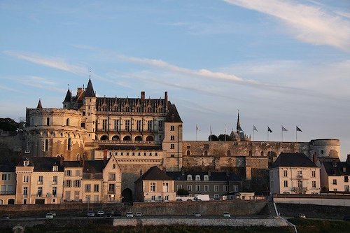 royal-chateau-of-amboise-1122154_640