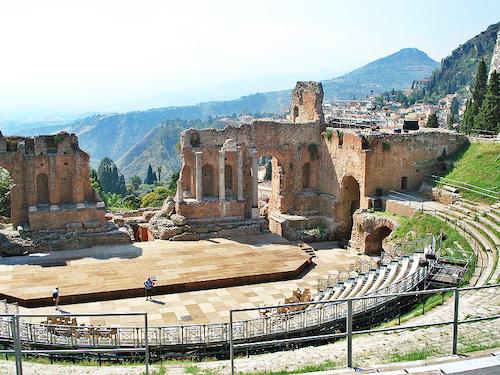 希腊露天圆形剧场