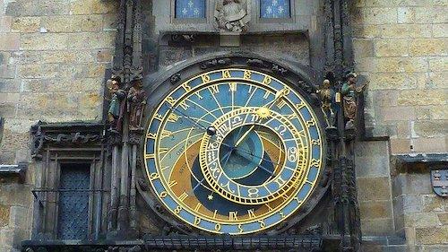 astronomical-clock-475445_640